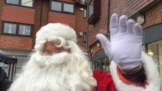 7-Santa arraives