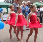 6-Miss Becky's young ballet students