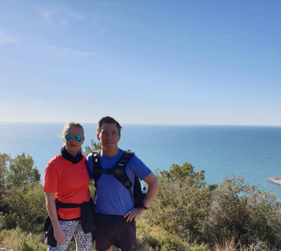 Calle & Helena hiking