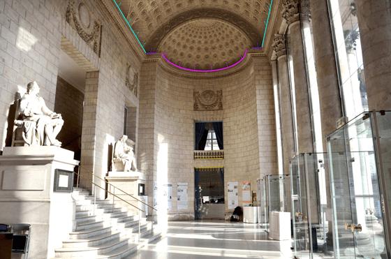 Implantation lumière dans le vestibule, théâtre Graslin, Nantes, France – Illustration : Virginie Voué, Luminescence