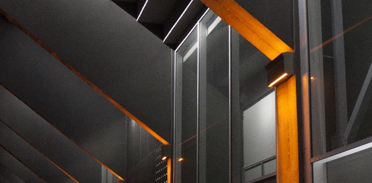 Formation-Conception-Lumiere-Durable-pendant-la-visite-nocturne,-Tribune-Marcel-Saupin,-Nantes---Photo-Vincent-Laganier