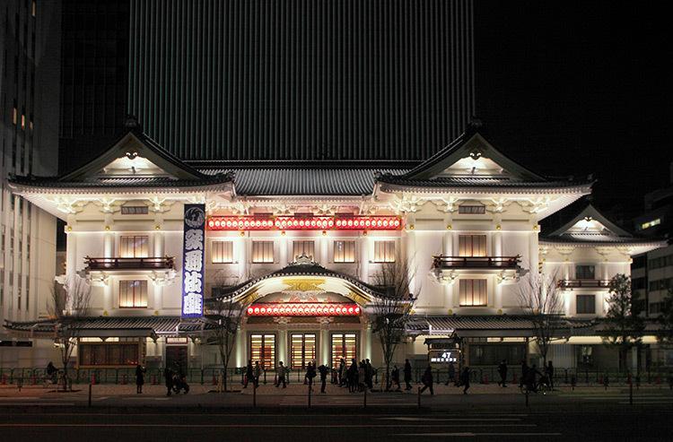 Kabuki-Theater,-Tokyo,-Japon-©-Motoko-Ishii-Lighting-Design-