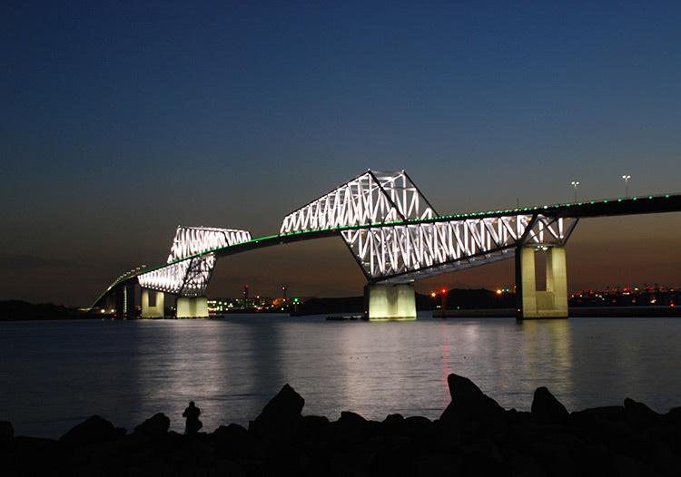 Tokyo-Gate-Bridge,-Japon-©-Motoko-Ishii-Lighting-Design-