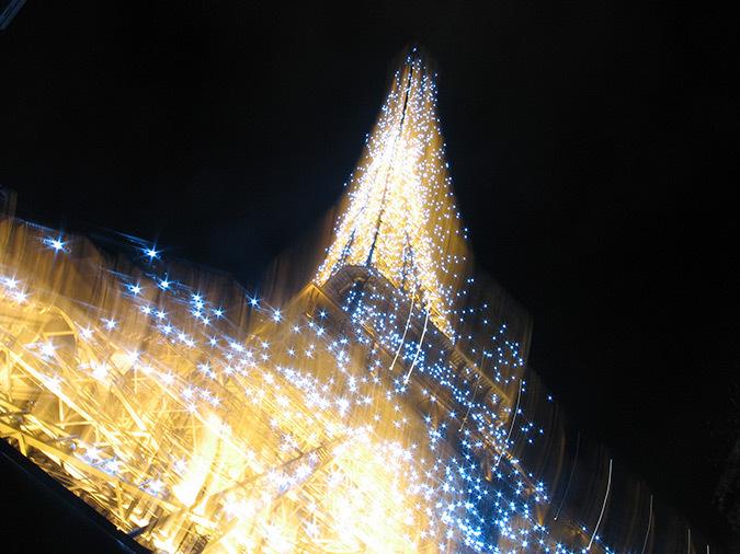 Tour Eiffel, Paris, France – Scintillement graphique – Conception lumière : Pierre Bideau, SNTE – Photo : Catherine Orsenne