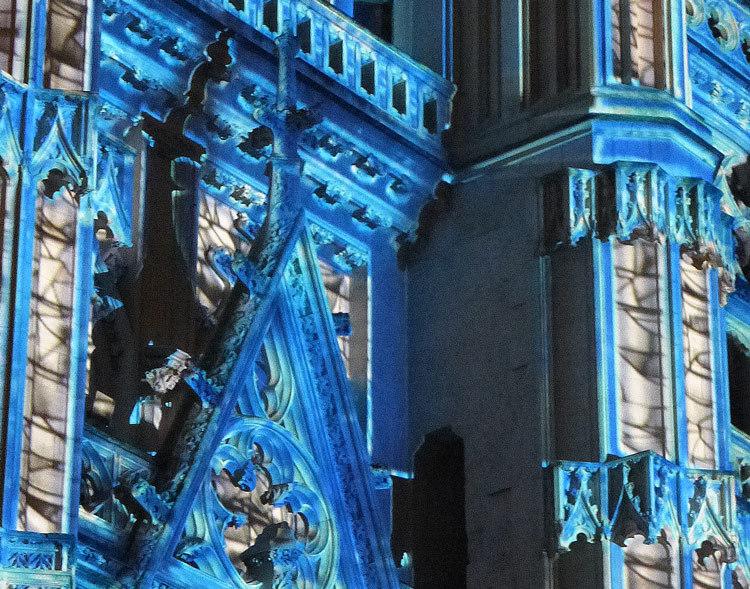 13 Son et lumiere - Illumi Nantes - Facade de la Cathedrale - Peinture Yann Thomas - Images Spectaculaires © Vincent Laganier