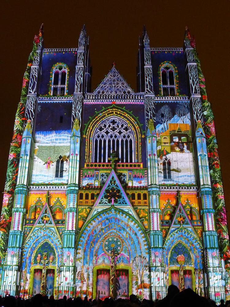 6 Son et lumiere - Illumi Nantes - Facade de la Cathedrale - Peinture Yann Thomas - Images Spectaculaires © Vincent Laganier