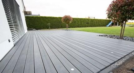 Eine Terrasse aus WPC Dielen
