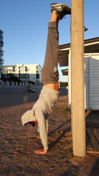 handstand_1