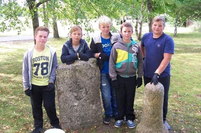 Pärandivaderid Virtsu kool_Hjärne mälestuskivi. Foto Jüri Mõniste 2015