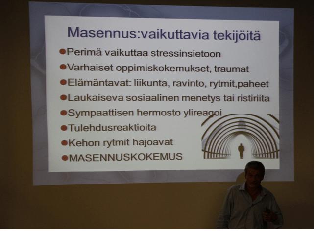 Psykologi Aku Kopakkala kertoi, että masennus ei ole aivosairaus. Se on monien tekijöiden summa.