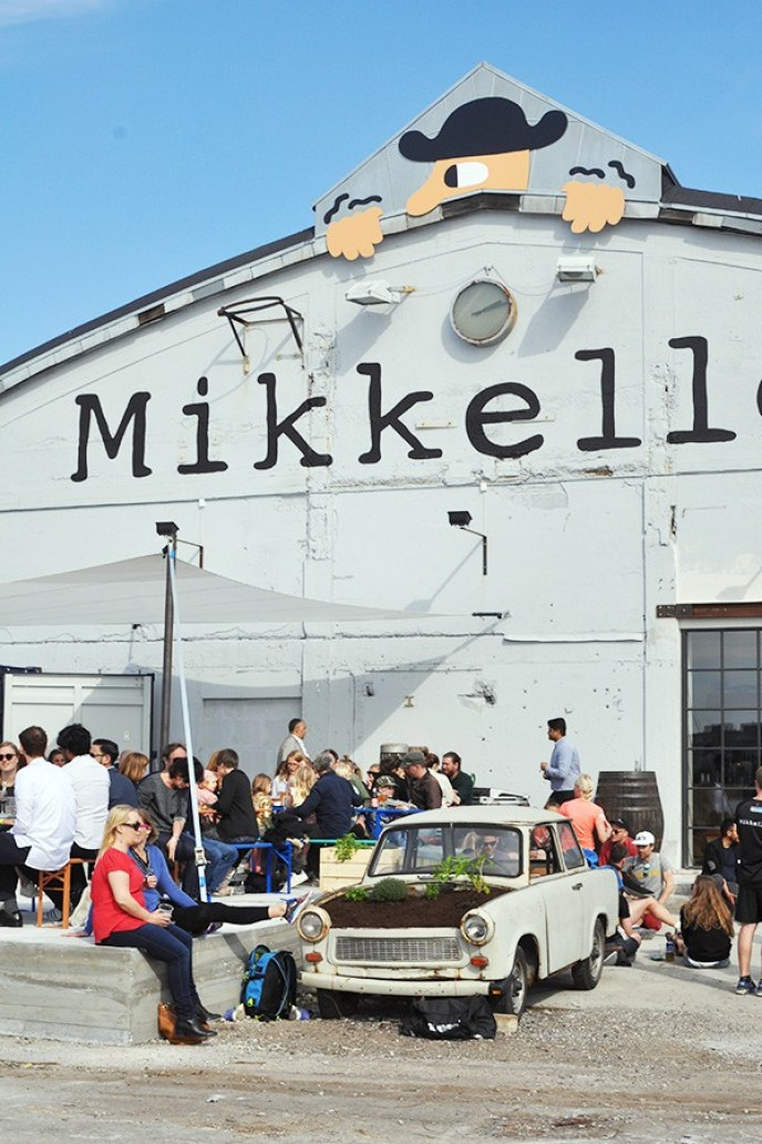 Liiv.blog-Copenhagen-Travel-Guide-Mikkeller-Baghaven-Beer-Garden-on-the-Copenhagen-Canal-Best-Places-to-Drink-OUtside-in-the-City-Oregon-Girl-Around-the-World