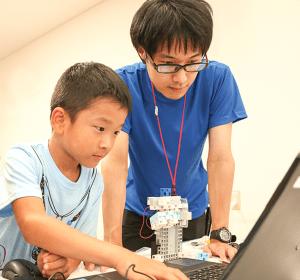 ロボットプログラミング自考力キッズカリキュラムレッスン風景3