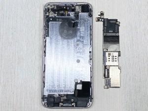 iPhone SE(初代)のロジックボードを外す方法