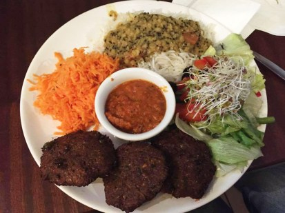 Vegan kofta with salads