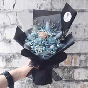 藍黑色乾燥花束,乾燥花束藍黑色