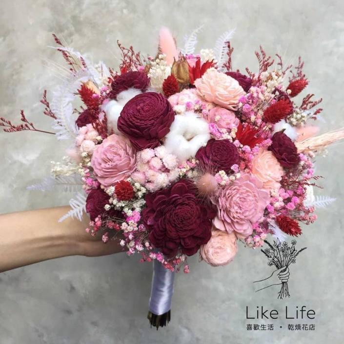 不規則圓型永生花新娘捧花-紅粉
