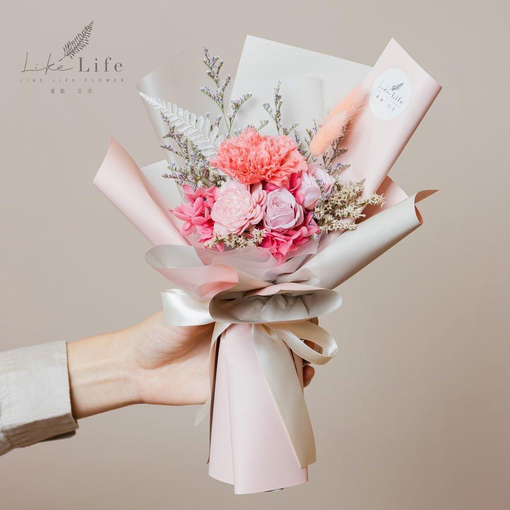 母親節康乃馨花束,康乃馨永生花束粉色手拿台北花店
