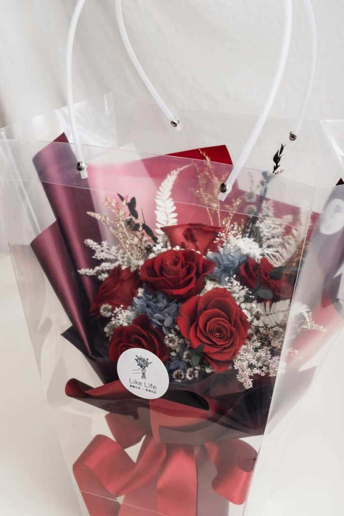 畢業花束推薦,紅色玫瑰花束乾燥花,畢業乾燥花束提袋