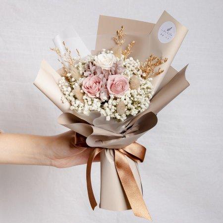 永生花束奶茶色,情人節永生花束裸色系永生玫瑰花封面,永生花束奶茶色,台北永生花束