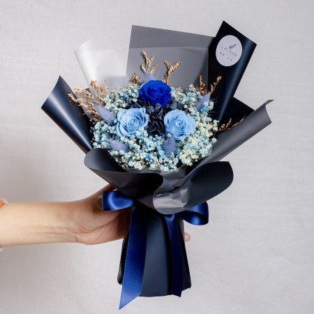 永生花束黑藍色,情人節永生花束黑籃色設計封面,永生花束藍色,台北永生花束藍色,喜歡生活乾燥花店
