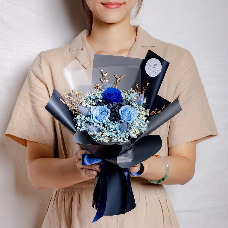 永生花束黑藍色,情人節永生花束黑籃色設計,永生花束藍色,情人節永生花束,台北永生花束推薦
