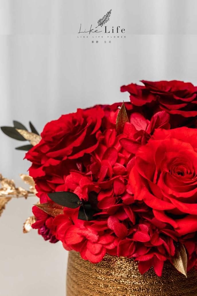 開幕盆栽永生花紅色特寫照金盆,玫瑰花,繡球花開幕盆栽