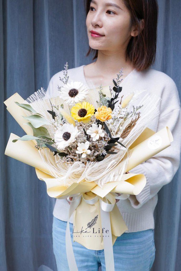 小雛菊花束包裝教學花藝師Amy,韓式花束包裝課程