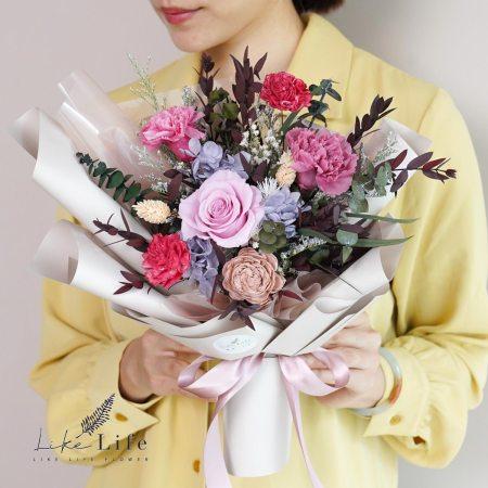 康乃馨花束-粉色永生花康乃馨花束封面
