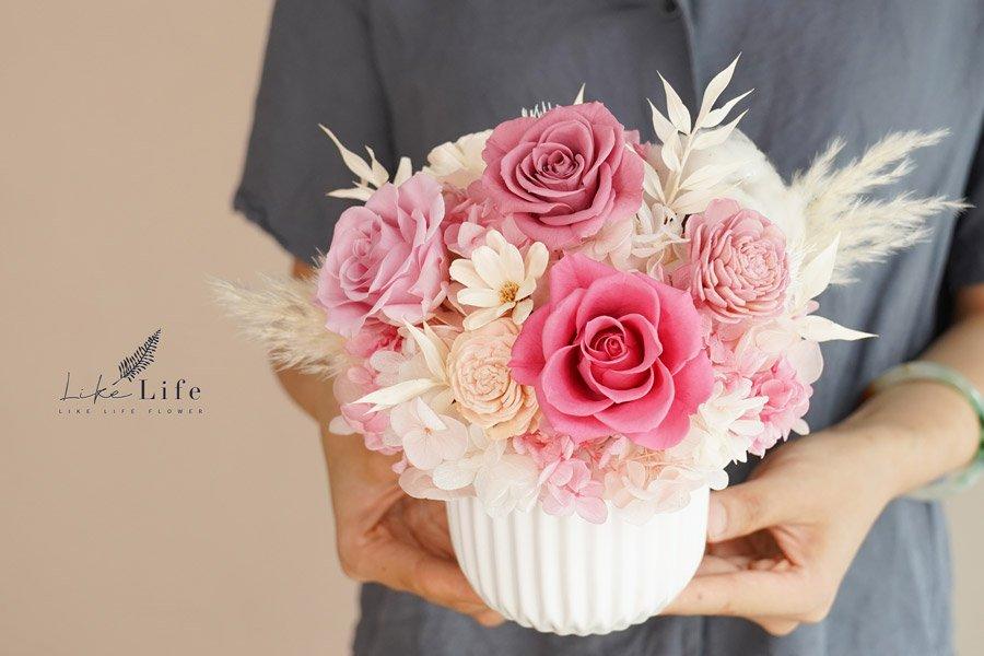 永生花盆栽-古典粉永生花手拿,手拿永生花作品開幕盆栽,粉色