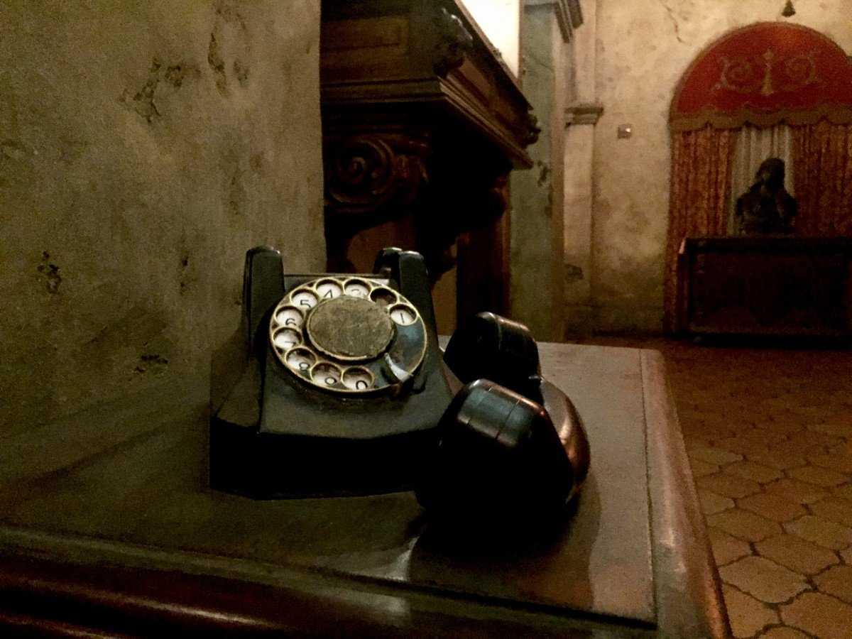 old phone off hook tower of terror