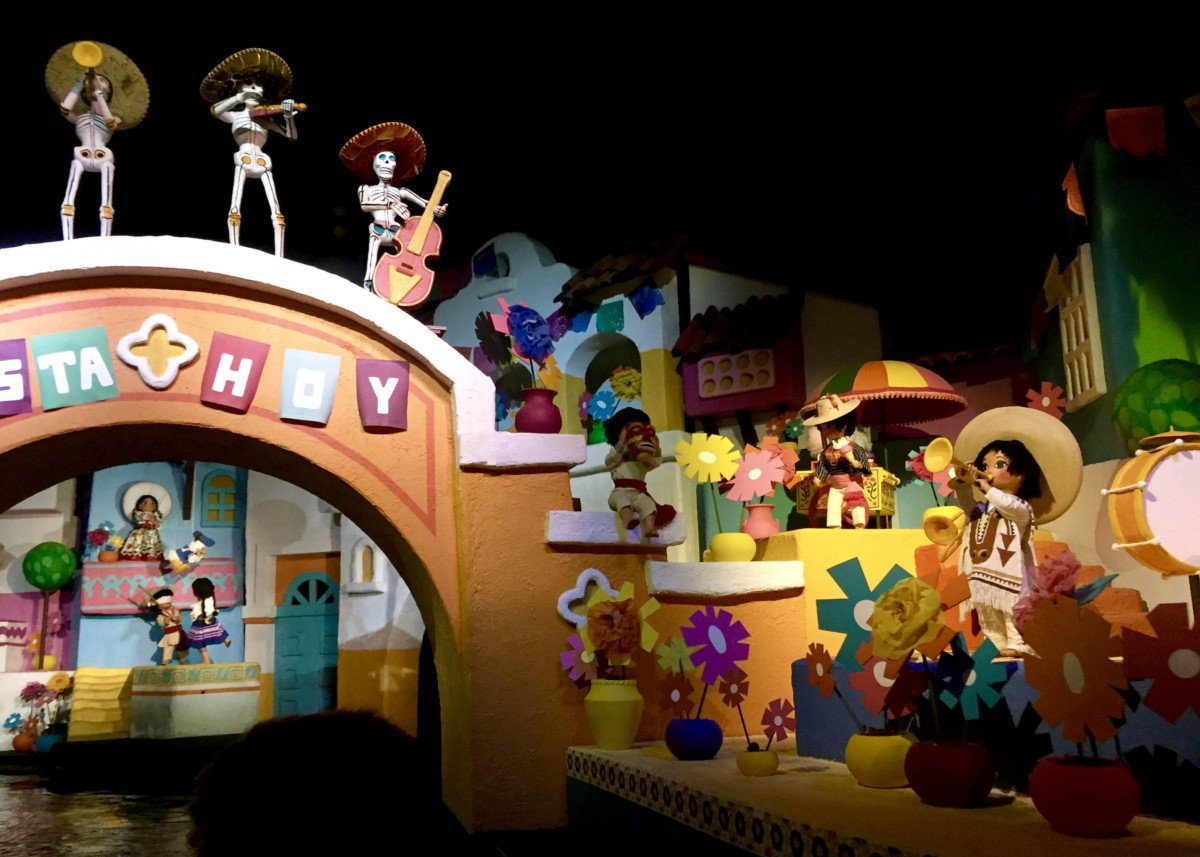 Gran Fiesta Tour Starring the Three Caballeros ride