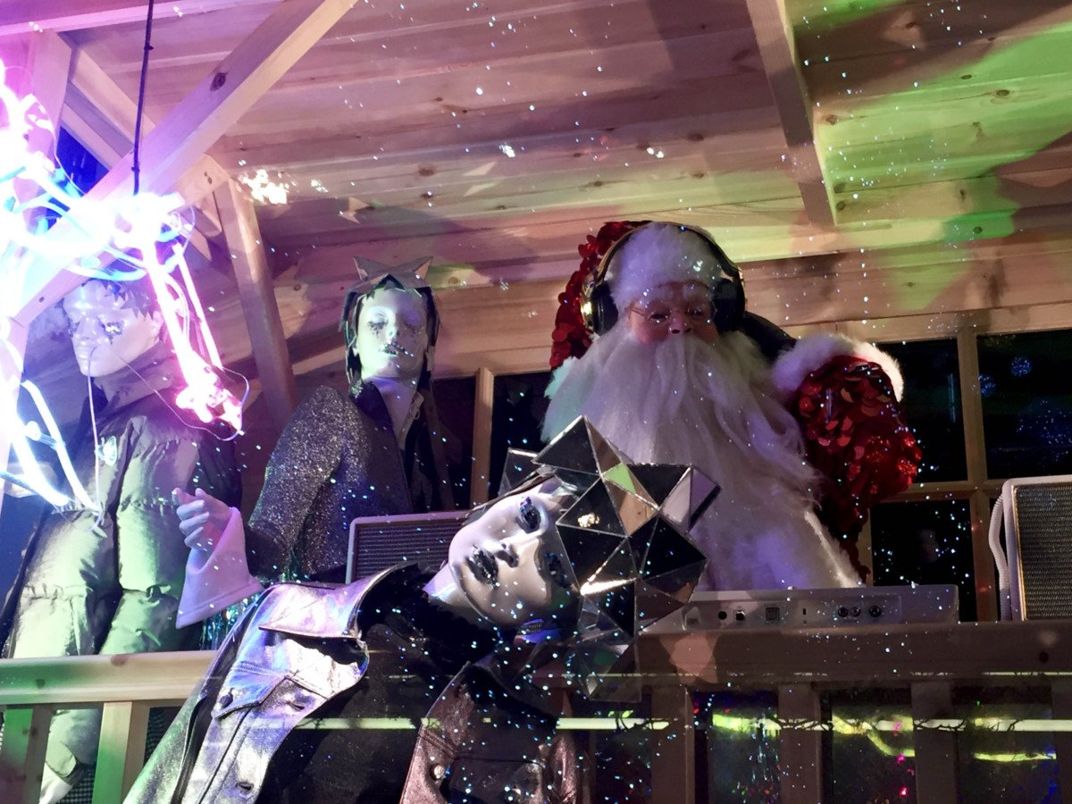 Selfridges Oxford street Christmas Windows santa 2016