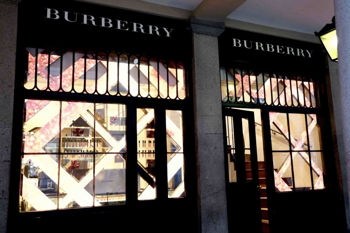 Burberry Beauty Box store  Covent Garden is the Heart of Beauty Shops in London ?