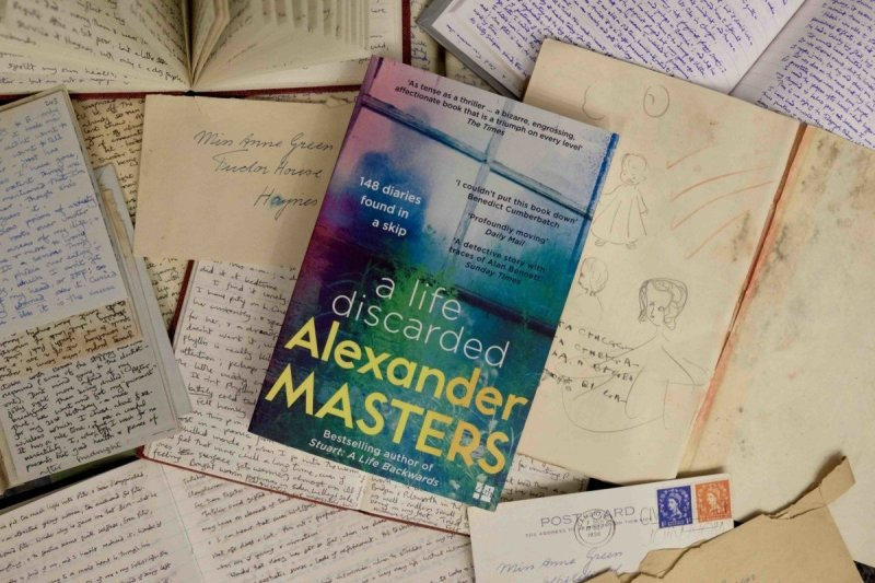 Imagine finding 148 handwritten diaries in a skip? What would you do? Would you read them?