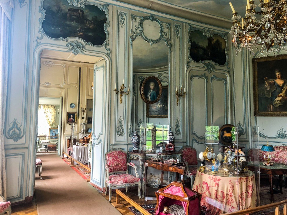 Chateau de Vendeuvre Drawing room 18th century