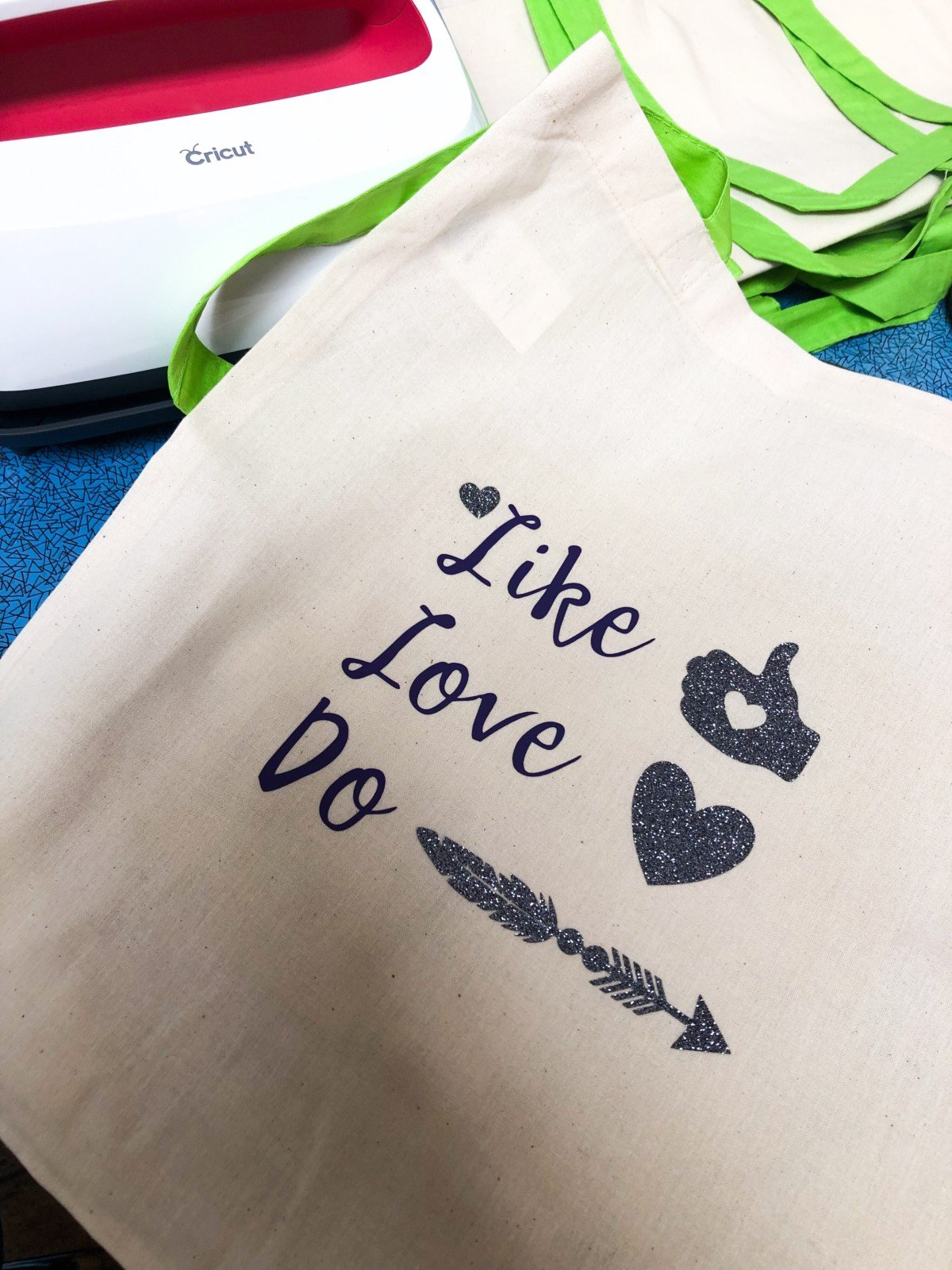 Cricut cut tote bag