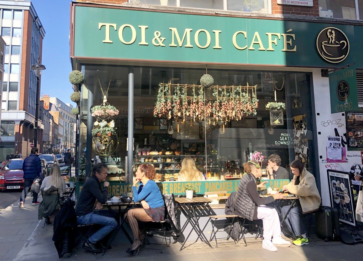 So I've set up this handy itinerary of some places you can visit in soho whilst you are staying in the area. Toi & Moi Cafe Soho pretty cafe