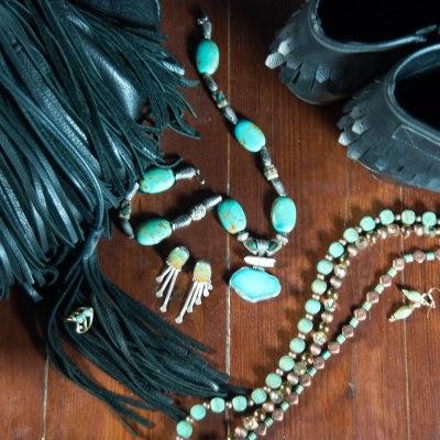 modern ways to wear turquoise jewelry