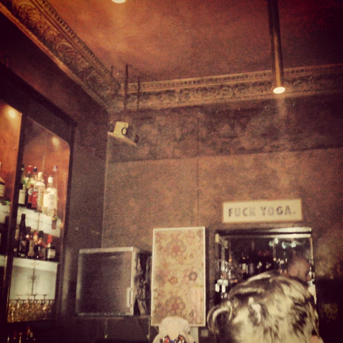 living room cafe abu dhabi turquoise wall decor kirk bar – berlin | likemybar