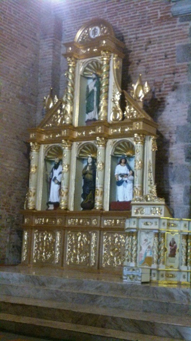 Left retablo