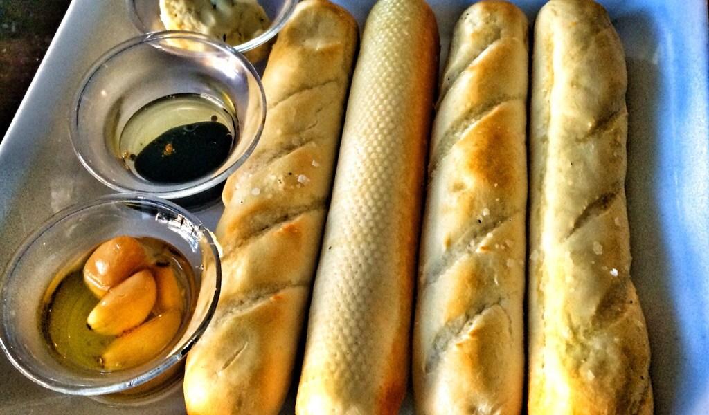 Bread & Dips