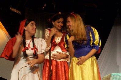 """""""O Fantastico Misterio de Feiurinha"""" princesas"""