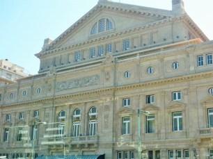 Frente Teatro Colon