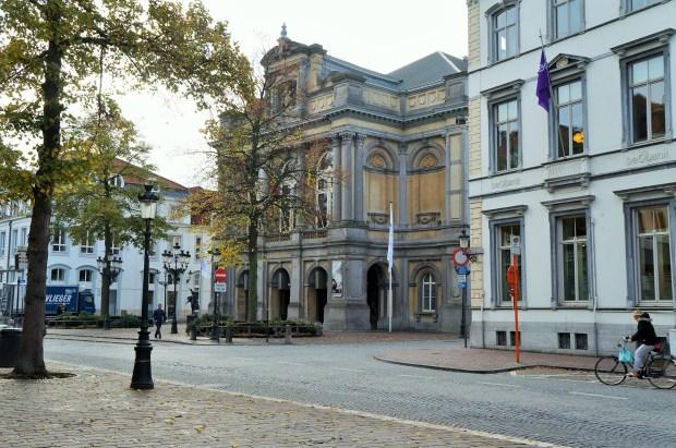 coisas imperdíveis para fazer em Bruges - observe a linda cidade