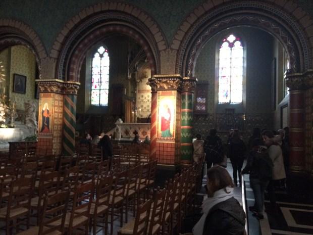 coisas imperdíveis para fazer em Bruges - cerimônia com o sangue de Jesus