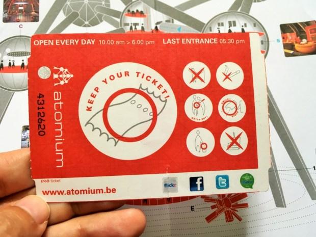 visitando o Atomium - ingresso