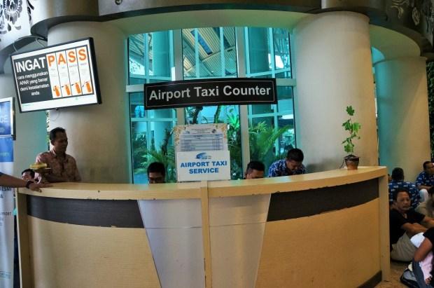 Aeroporto Internacional de Bali - táxis caros no aeroporto