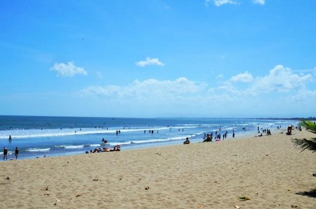Devo visitar Kuta - praia de Kuta