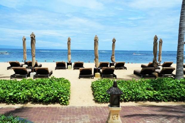 Holiday Inn beach club em Bali - de frente pro mar