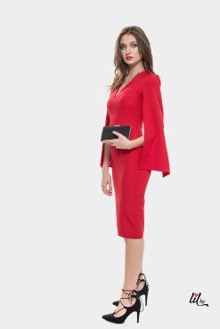 Вечерна червена рокля